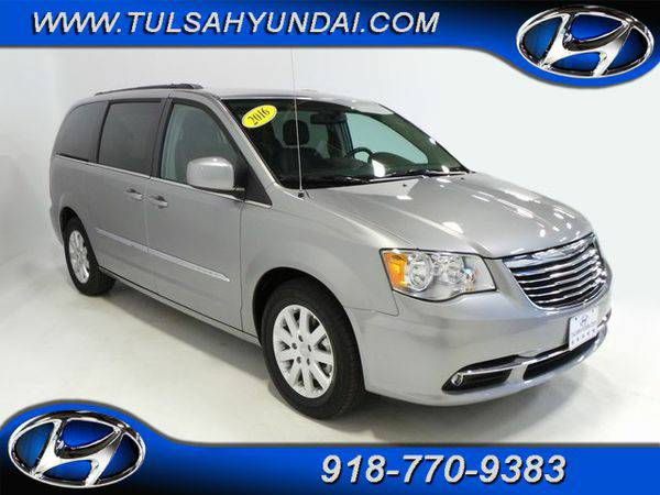 2016 *Chrysler* *Town* *&* *Country* Touring - 100's of vehicles t