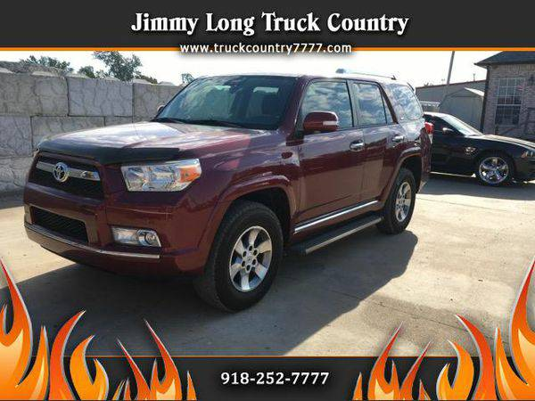2011 *Toyota* *4Runner* SR5 4WD TOYOTA AT ITS BEST - Call or Text! Fin