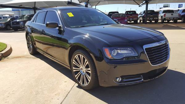 2014 Chrysler 300S, Leather loaded, Beats premium sound