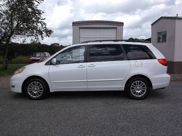 *LEATHER*DVD* ALL CREDIT WELCOME**2009 Toyota Sienna XLE FWD
