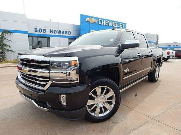 2017 CHEVROLET SILVERADO HIGH COUNTRY 4X4 NAV HEATED AND COOLED SEATS