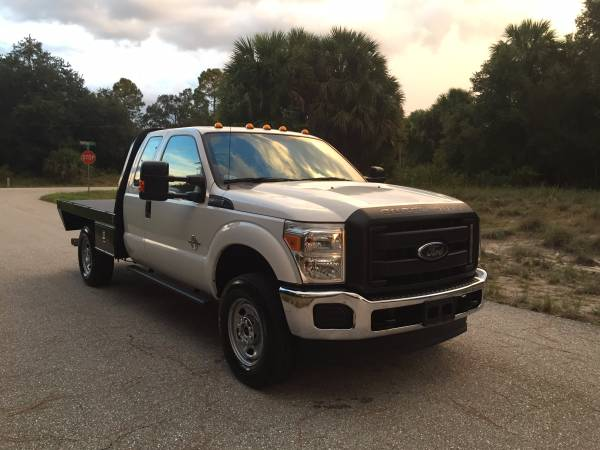 2014 Ford F350 XL Super Duty 4x4 Flatbed Truck Extended Cab Flat bed