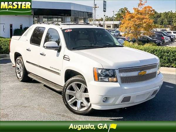 2007 *Chevrolet AVALANCHE* LTZ - (Summit White)