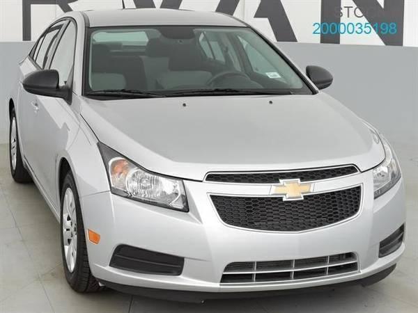 2013 Chevrolet Cruze LS Auto Sedan