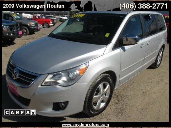 2009 Volkswagen Routan Premium ONLY 52k LOADED! Sunroof, Nav, DVD