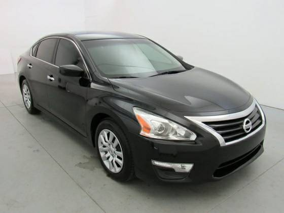 2013 Nissan Altima..low payments and downpayments**