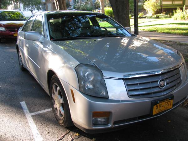 Cadillac cts 2004 Runs great looks great,ready to go,inspected