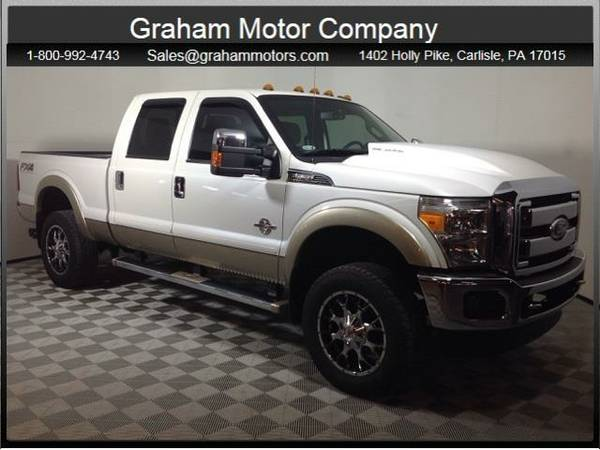 2012 *Ford F-350SD* Lariat (Oxford White)