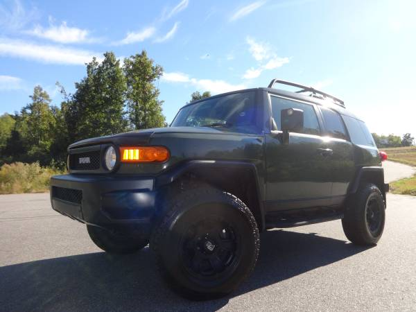 ~~2011 TOYOTA FJ CRUISER ~~ ONLY 67K MILES~~THIS IS A MUST BUY TODAY~~