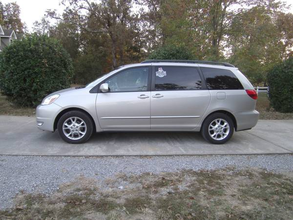 2005 Toyota ( 100k ) Sienna with DVD * Sequoia LTD