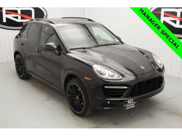 2014 *Porsche Cayenne* Turbo (Black)