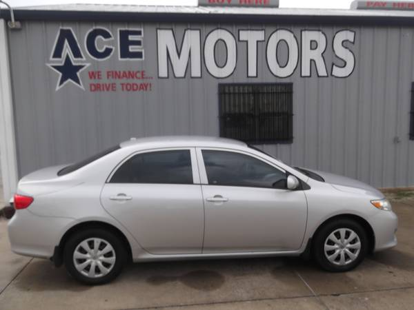 ** 2010 TOYOTA COROLLA ** 4 CYLINDER ** AUTOMATIC 4 SPEED ** STOP BY *