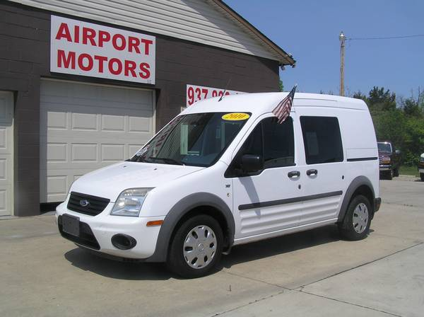 *** 2010 FORD TRANSIT CONNECT XLT (ONE OWNER) ***