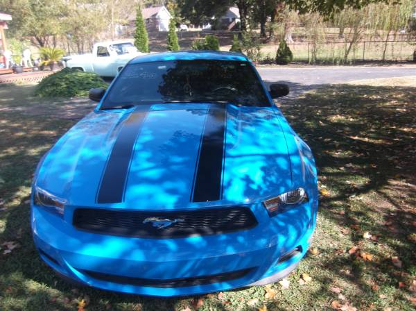 ** s/t 2012 stang v6** this week only*