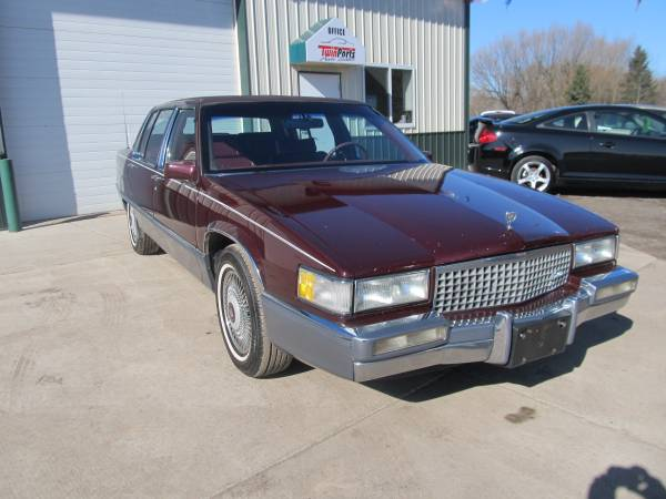 1990 CADILLAC FLEETWOOD SEDAN -139K MILES-EXTRA CLEAN-