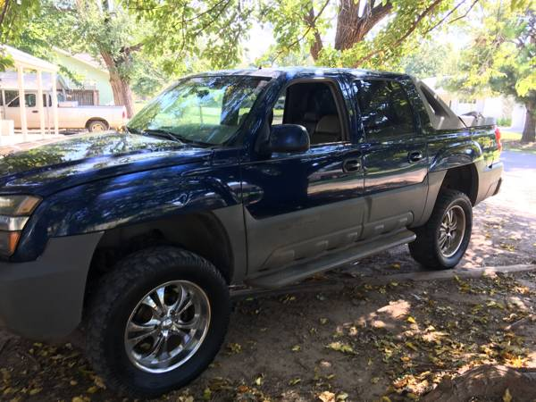 02 chevy Avalanche z71 4x4 lifted daily driver