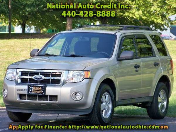 2010 Ford Escape XLT. Alloy wheels. Power Sunroof Package. Fully Lo