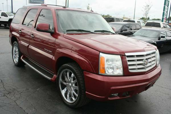 2004 Cad Escalade-3rd Row, Leather, Sunroof, Loaded
