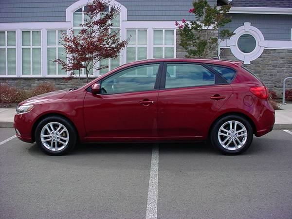 2012 KIA FORTE EX HATCHBACK! ALL OPTIONS!