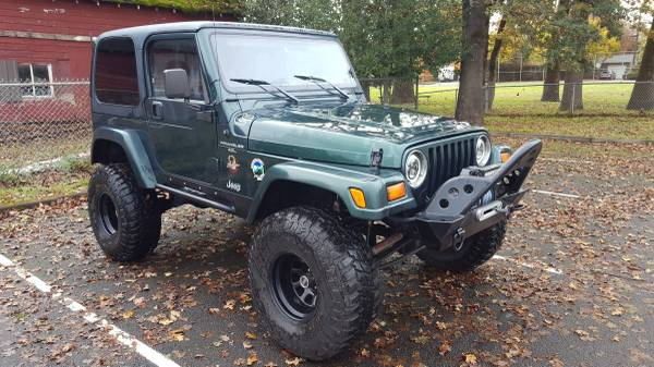 1999 Jeep Wrangler, 4.0L, Lots of Extras!, New Tires, Alarm,