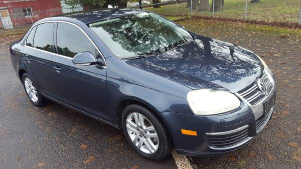 2006 VW JETTA 2.5, Leather, CD/ Stereo, Beautiful!