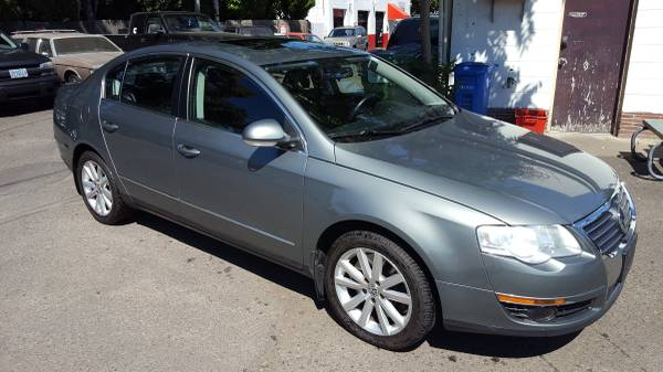 2007 VW Passat 3.6 - 4Motion, moon roof, CD, 99k miles