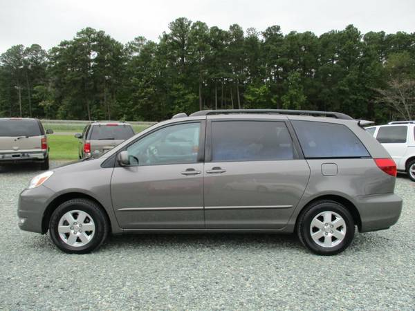 2004 Toyota Sienna XLE,3.3L V6, Leather,Power Doors, Roof, 166K, NICE!
