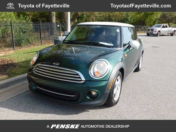 2011 *MINI Cooper Hardtop* 2dr Coupe (GREEN)
