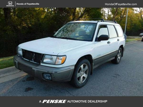 1999 *Subaru Forester* 4dr S Manual QU All Weather Pkg AWD (WHITE)