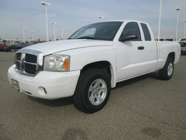 2007 DODGE DAKOTA * LOTS OF SERVICE RECORDS AVAILABLE * CLEAN CAR FAX