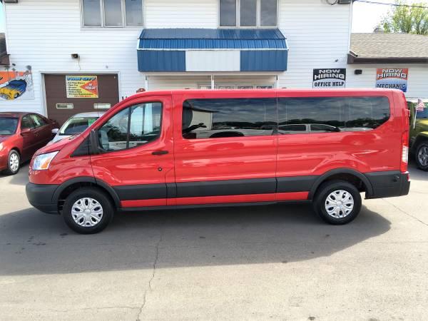 ★★★ 2015 Ford Transit 1 ton XLT 15 Passenger...
