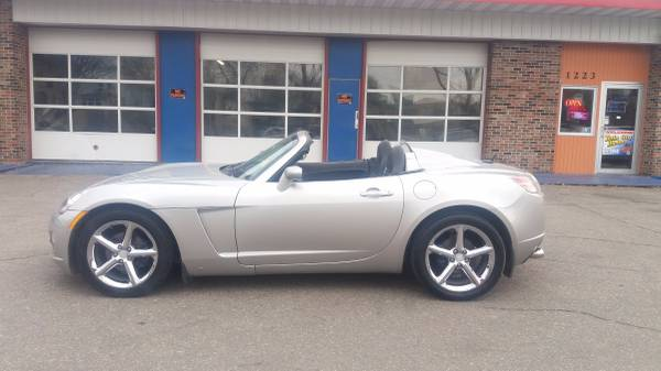 2007 Saturn SKY Roadster Only 33K