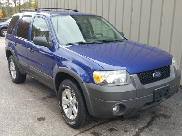 2006 FORD ESCAPE ! ONE OWNER ! CLEAN CARFAX ! 4X4 ! LOW MILES ! SHARP