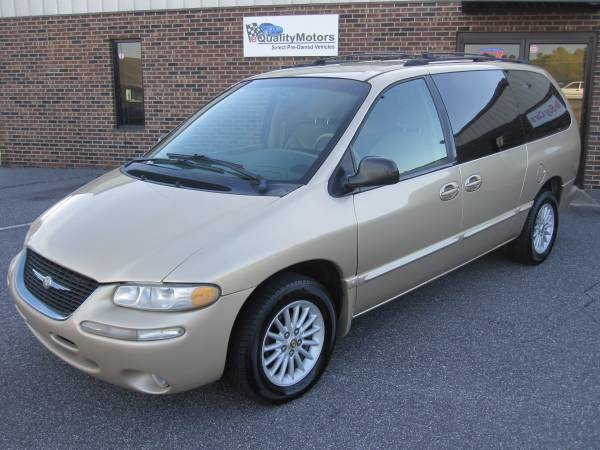 2000 CHRYSLER TOWN AND COUNTRY LX **SUPER CLEAN**FINANCING AVAILABLE**