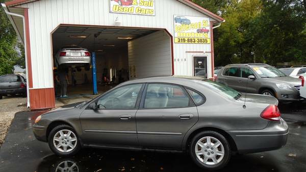 05 ford taurus 122000 miles. Local trade. Need to go today $2300