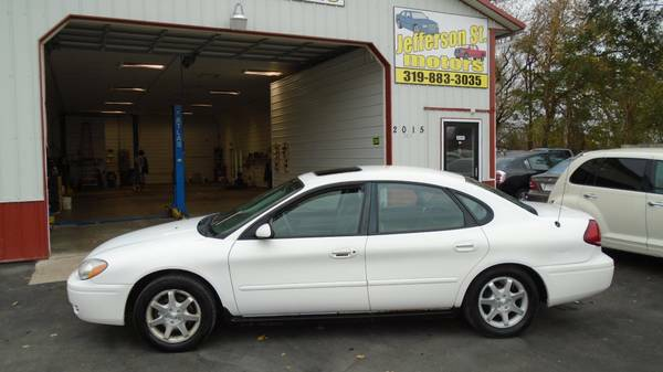 06 ford taurus. NEED TO GO TODAY. .EXCELLENT $1400