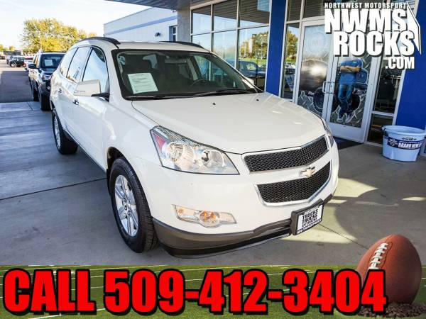 2012 *Chevrolet Traverse* LT AWD - 2012 Chevrolet Traverse LT AWD SUV