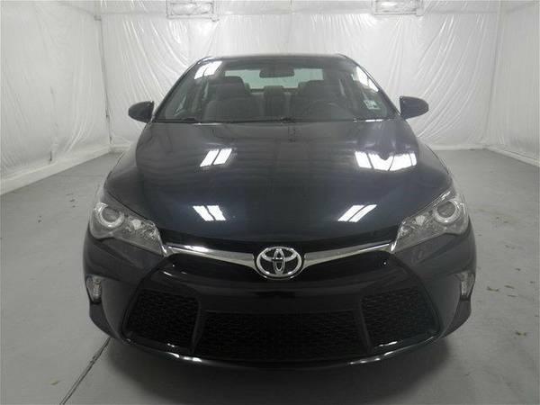 2016 Toyota Camry SE Sedan Camry Toyota