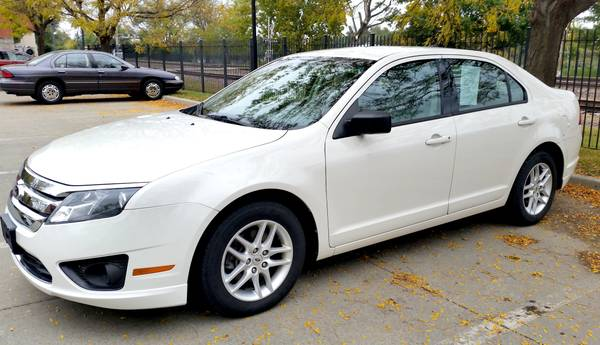 2012 Ford Fusion 1 Owner OFF LEASE 57k Factory Warranty No Accidents