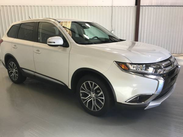 2016 MITSUBISHI OUTLANDER SE**TWO TONE RIMS*PUSH BUTTON START*3RD ROW