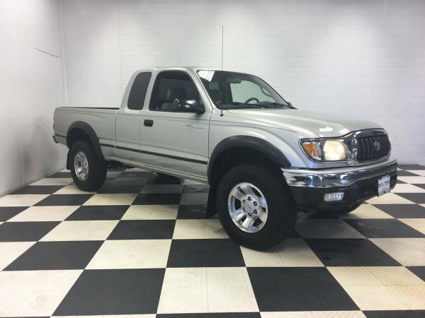 2004 TOYOTA TACOMA PRERUNNER EXTENDED CAB - SUPER LOW MILES! 1 OWNER!!