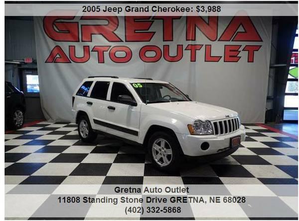 2005 Jeep Grand CherokeeLAREDO V6 4X4 DUAL REAR DVD TOUCH SCREEN RADIO