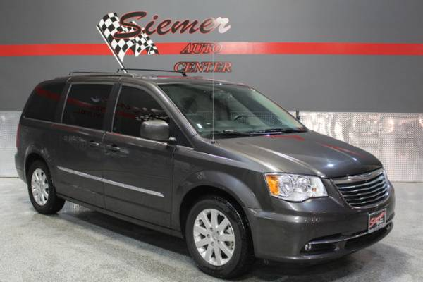 2015 Chrysler Town & Country Touring - CALL NOW