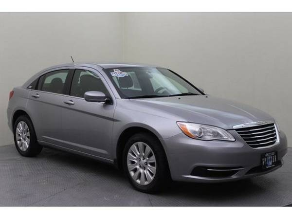 2014 *Chrysler 200* LX (Billet Silver Metallic Clearcoat)