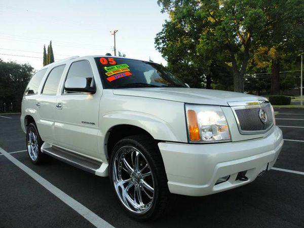 2005 *CADILLAC* *ESCALADE* AWD**3RD ROW ** DVD ** $3500 DOWN @$249 MON
