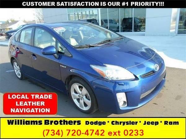2010 *Toyota Prius* V 4dr Hatchback (Deep Blue)