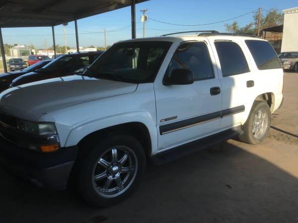 03 Chevrolet Tahoe(just lowered price)