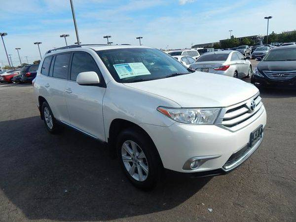 2013 *Toyota* *Highlander* - Call or Text! Financing Available