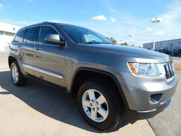 2012 *Jeep* *Grand* *Cherokee* Laredo