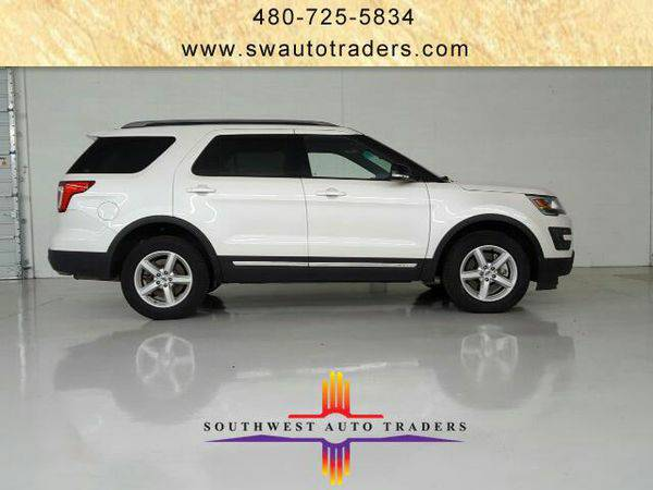 2016 *Ford* *Explorer* XLT 4WD -